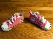 Neuwertige Baby Converse Chucks Gr