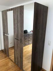 Schlafzimmer Schrank