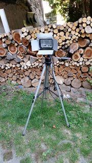 Stativ mit Beleuchtung für Kameras