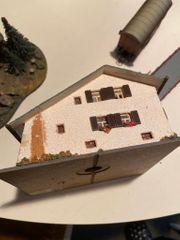 sehr schöne alte Modellhäuser für