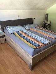Doppelbett (ohne Matratze)