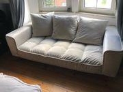 Sofa und Hocker wie neu
