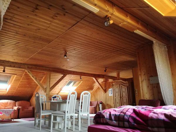 Schön gepflegte Möblierte Dachgeschosswohnung zu