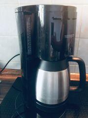 Filter Kaffeemaschine mit Kanne
