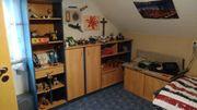 Jugend Kinder Zimmer mit Schreibtisch