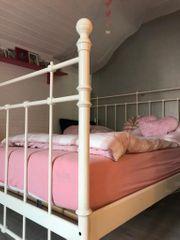 Doppelbett mit Lattenrost u Matratzen