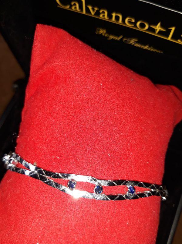 Ttraumhaftes Silberarmband mit Saphiren