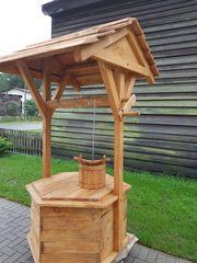 Holzbrunnen Dekoration