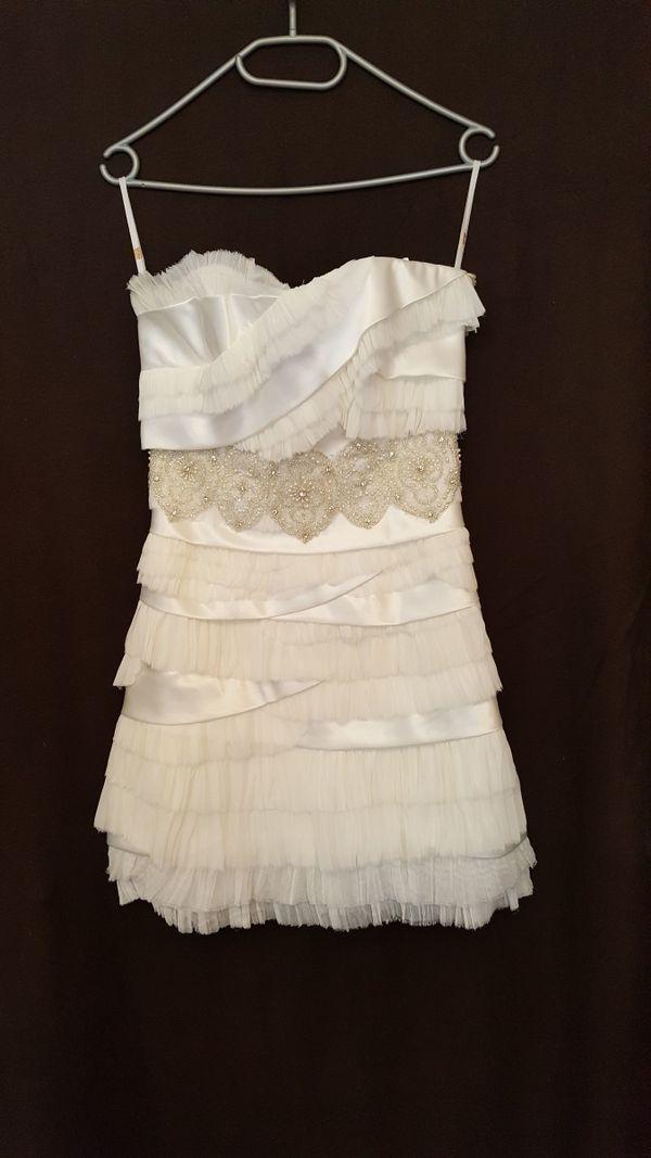 Ein luftiges Designer-Brautkleid von Papillio Gr. 36/38 in ...