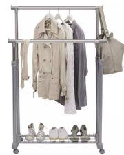 Kleiderwagen mit Rollen