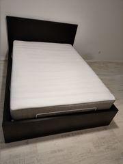 Bett IKEA Malm mit Lattenrost