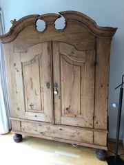 Wunderschöner alter Bauernschrank - komplett restauriert