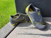 Nike Fussballschuhe in Größe 28