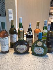 9 Flaschen alte Weine