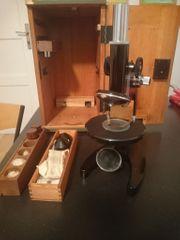 Altes Mikroskop