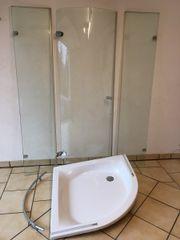 Duschkabine mit Wanne