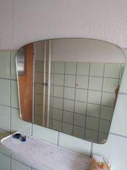 Spiegel für das Badezimmer