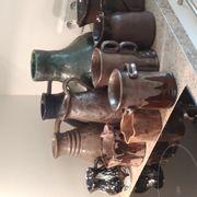 Handgetöpferte Vasen und Krüge