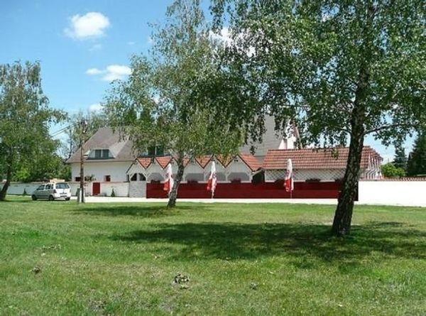 Ferienhaus mit Pool Klima Spielplatz