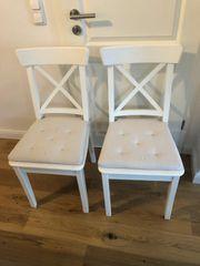 Zwei Ikea Ingolf Stühle mit