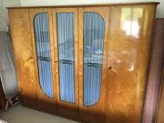 Antiker Schlafzimmer-Schrank