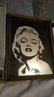 2 spiegelbilder von Marilyn Monroe