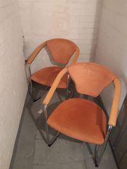 2 Armlehnen Stühle