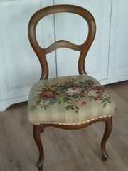 Alter Antiker Stuhl Kaffeehaus mit