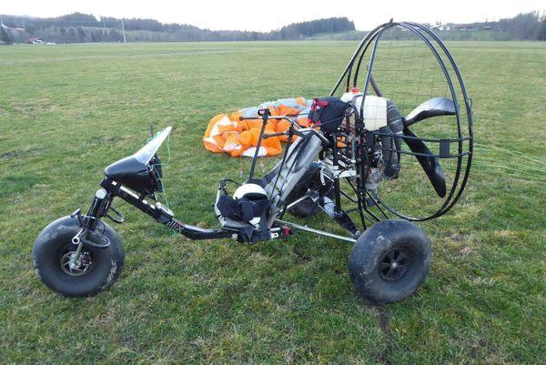Bullix Motorschirm Trike