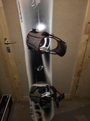 Snowboard K2 mit Flowbindung