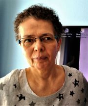 Lesbe 54 sucht Frau fürs