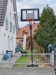 Outdoor Basketballständer mit Basketballkorb