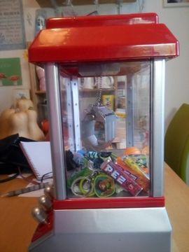 Sonstiges Kinderspielzeug - Spielzeug Greifer Automat