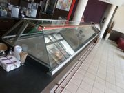 Bäckerei-Inventar Versteigerung in Berlin Lila