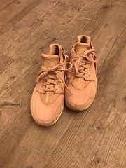 Nike Huarache in Rose