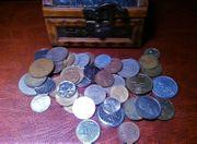 Sachtzkiste mit Münzen