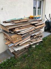 Schaltafeln und sonstiges Holz