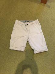 Gut erhaltene beige Chino-Shorts Gr