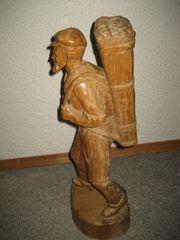 Holzfigur geschnitzt Winzer Weinbauer Holz
