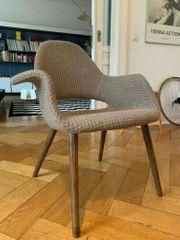 Außergewöhnlicher Designstuhl sucht Liebhaber
