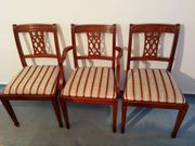 3 Stühle im engl Stil