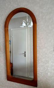 Natürliche Eleganz - Halbrunder Spiegel aus