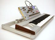 KORG Radias - Synthesizer Doppel-Keyboardständer