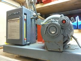 Vakuumpumpe Edwards ES200: Kleinanzeigen aus Freising Neuland/Seilerbrückl - Rubrik Geräte, Maschinen