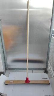 Saalbesen 80 cm Holzstiel
