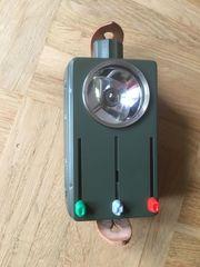 Tarn-Taschenlampe oliv