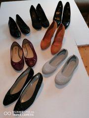 Mehrere Damen Schuhe abzugeben