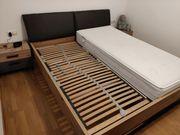 Bett inkl Nachtkästchen und Lattenrost