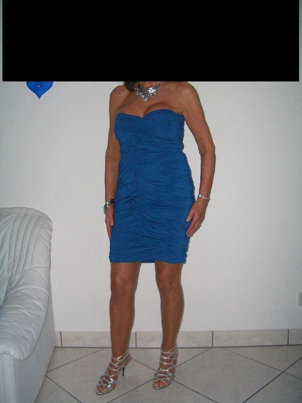 Exclusive Abendkleider dazu passende Schuhe