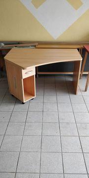 ausziehbarer Schreibtisch